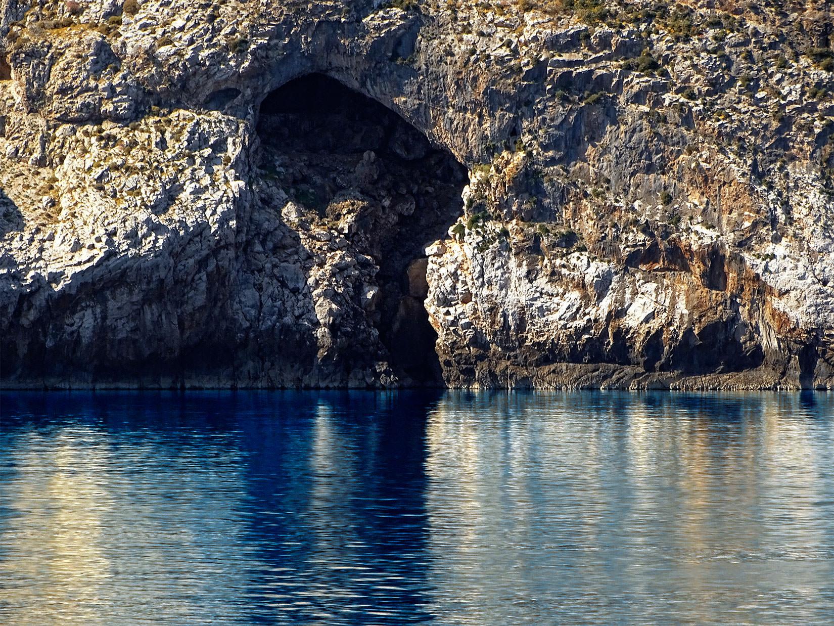Folegandros Hotels | Chrysospilia